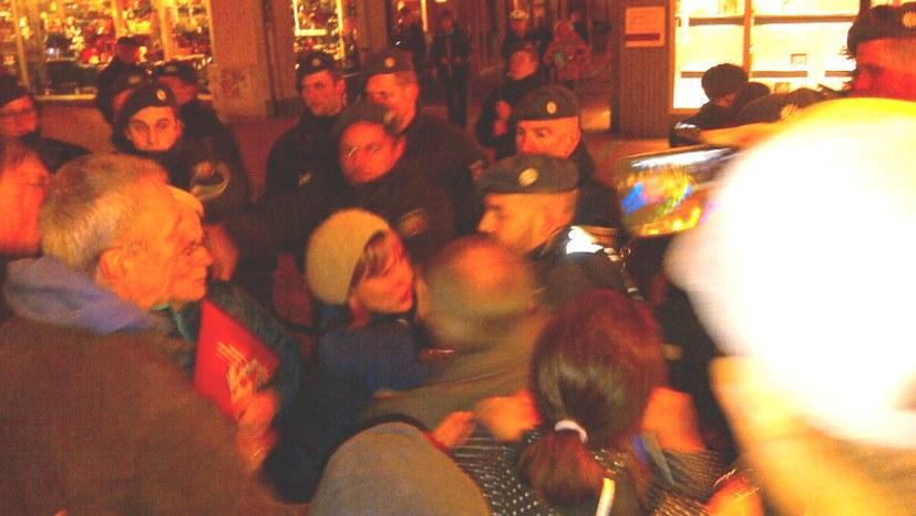 Essen-Steele: Polizei schützt Faschisten und geht brutal gegen Antifaschisten vor